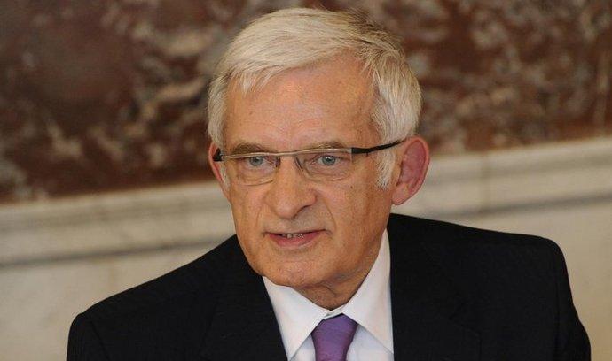 Předseda Evropského parlamentu Jerzy Buzek ratingové agentury hájí.