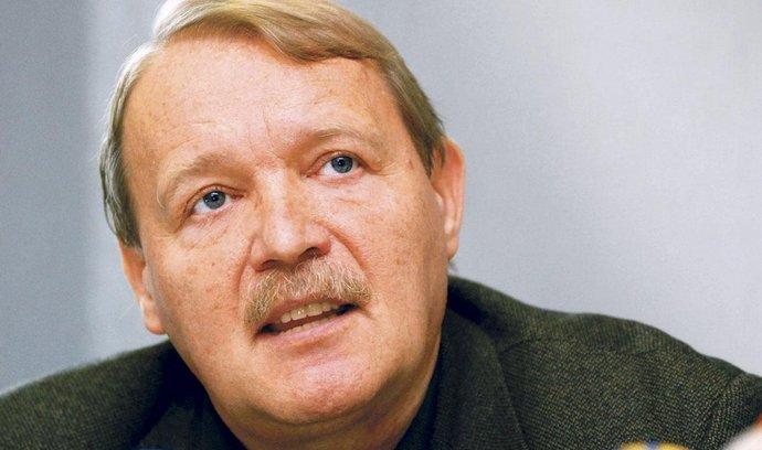 předseda Lékařského odborového klubu Martin Engel