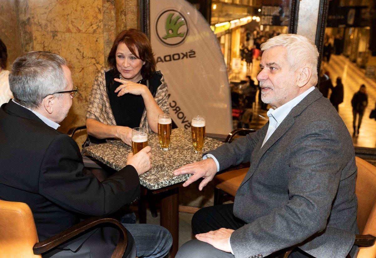 Premiéra Léta s gentlemanem: Zlata Adamovská a Petr Štěpánek