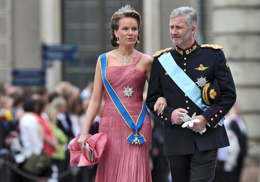Jako princezna a později královna plní spoustu státnických povinností. A svého manžela všude doprovází