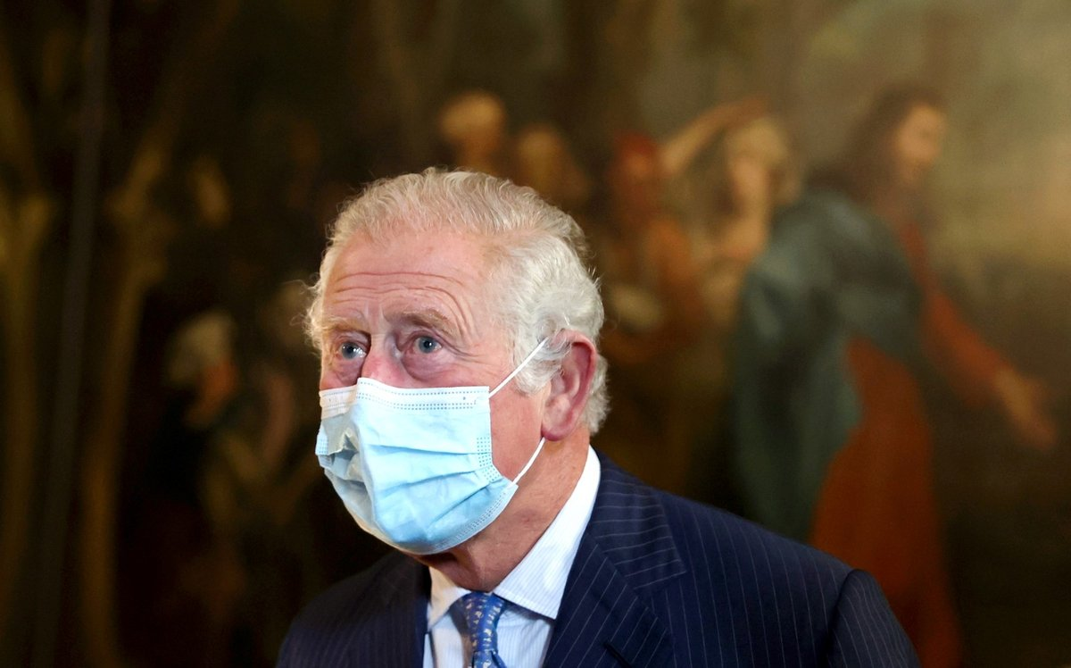 Princ Charles navštívil nemocnici sv. Bartoloměje, kde byl hospitalizovaný jeho otec Philip