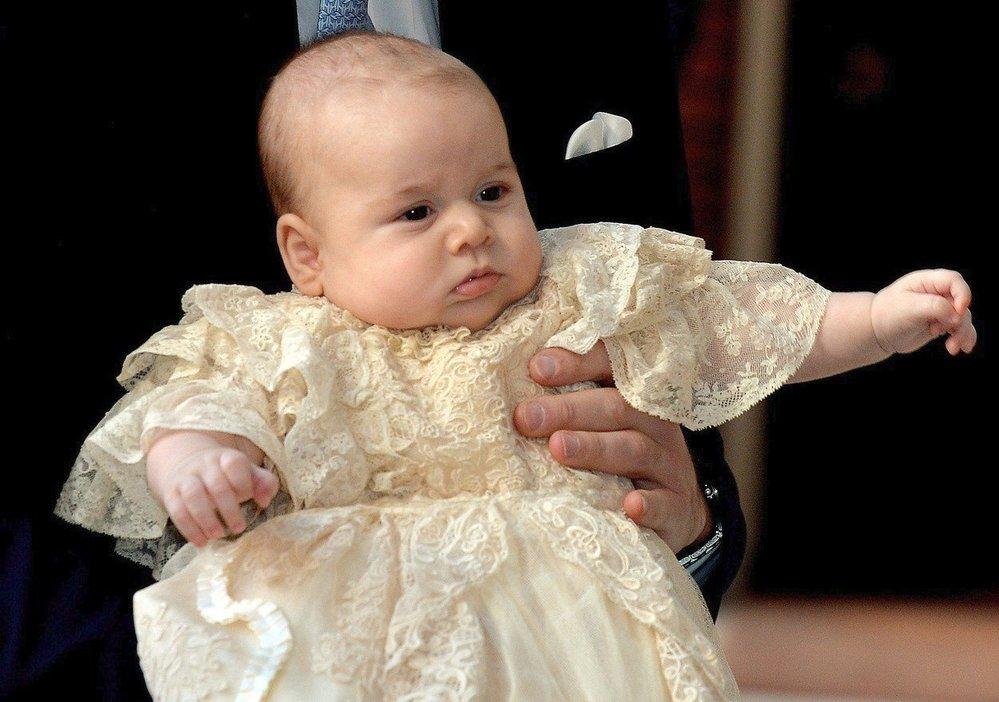 Tříměsíční princ George na svých křtinách, 2013