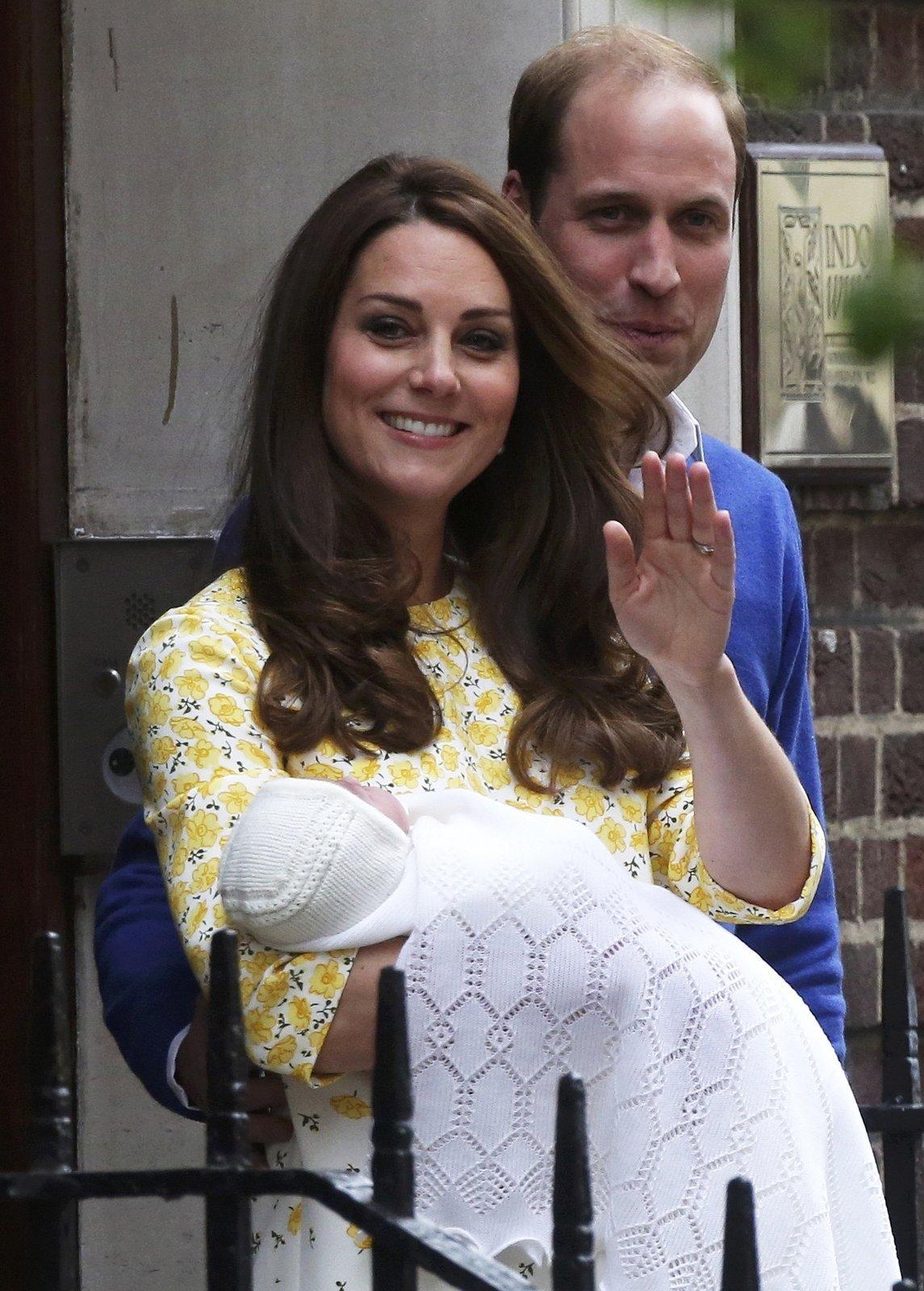 William a Kate se naplno věnují rodičovským povinnostem.