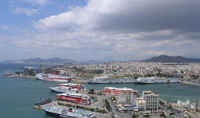 Přístav v řeckém Pireu