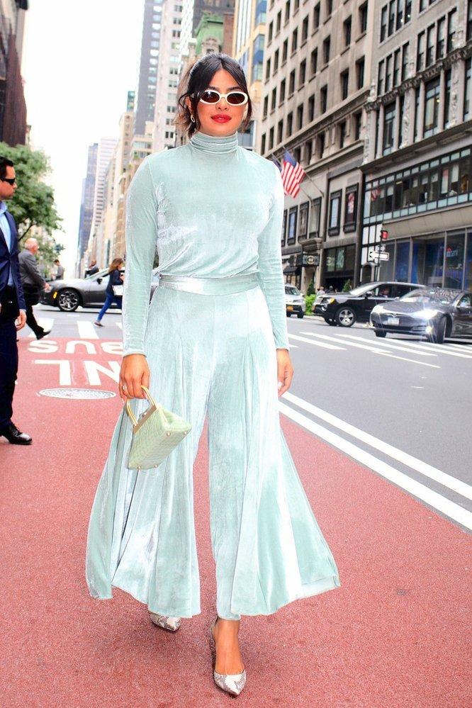 Priyanka Chopra v New Yorku při cestě na natáčení pořadu The View