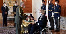 Profesor a voják z povolání: Kdo je Zemanův vrchní lékař? A další doktoři prezidentů