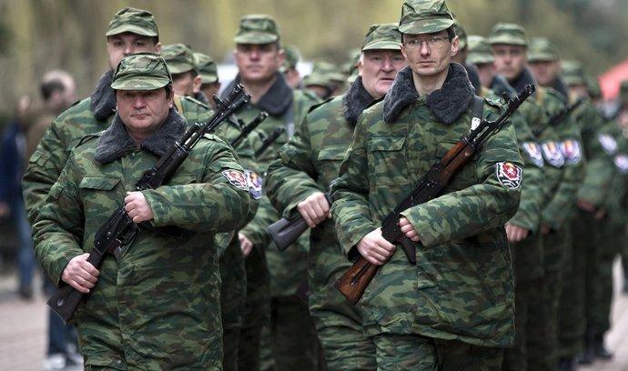 Proruské jednotky na Krymu (foto 8. března 2014)
