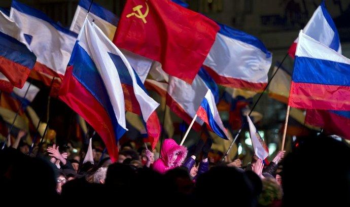 Proruští obyvatelé Krymu oslavují výsledek referenda o připojení k Rusku