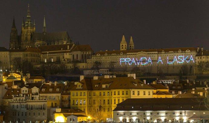 Protestní projekce na Pražském hradě