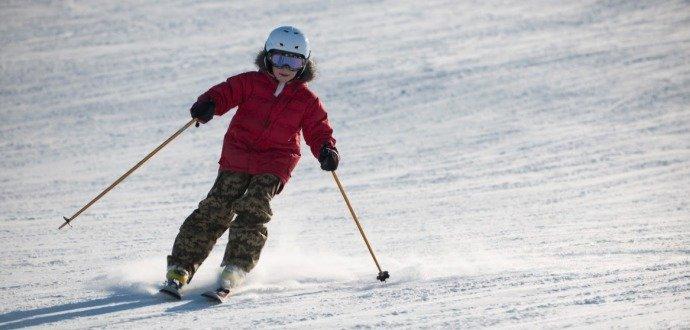 Nové lyže pro děti? Je lepší, když si je půjčíte