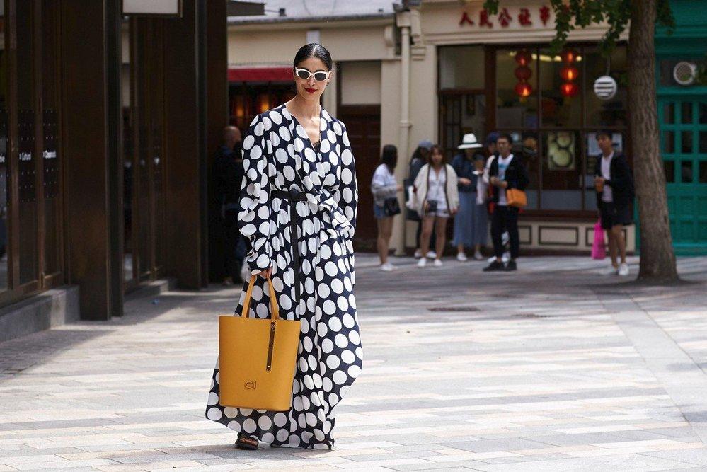 Caroline Issa na londýnském fashion weeku