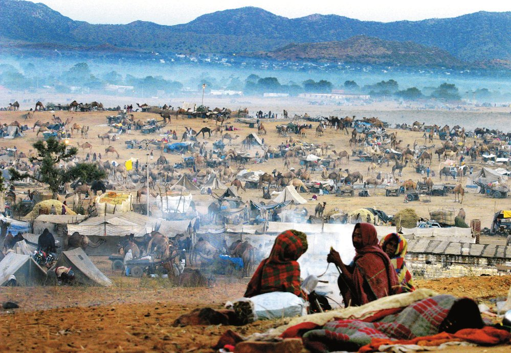 V době velblodího trhu je ve městě dvě stě tisíc lidí.
