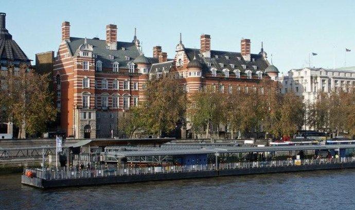 původí budova New Scotland Yard, které se nyní říká Norman Shaw Buildings