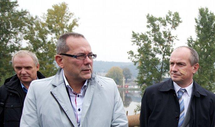Radní Jiří Vávra (na fotografie vlevo) a místopředseda a radní pro dopravu Jiří Pařízek (na fotografii vpravo)