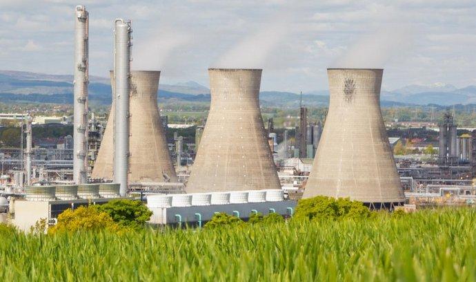 Rafinerie Ineosu ve skotském Grangemouthu