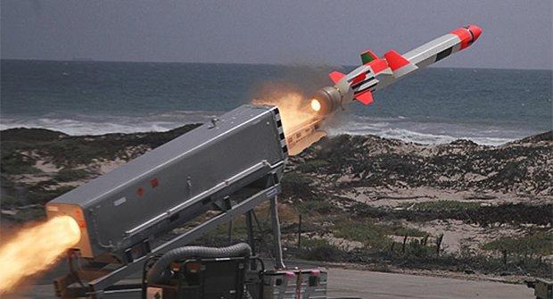 VIDEO: Výbušný test rakety proti lodi