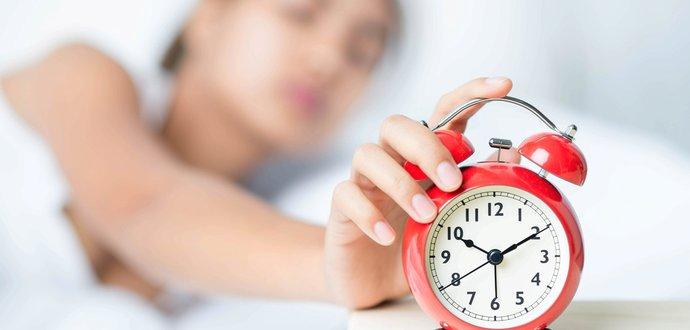 6 tipů pro snazší vstávání