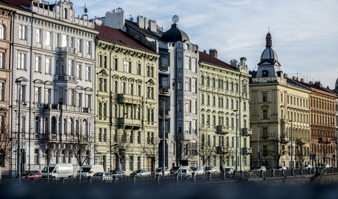 Meziročně loni klesly nájmy ve všech pražských částech. Nejvíce v Praze 1 (o 11,9 procenta).