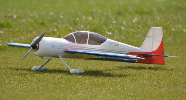 Jak si vybrat první RC letadlo na dálkové ovládání