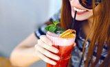 Triky ostrieľaných barmanov: namiešajte si letné drinky v pohodlí domova