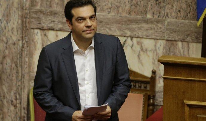 Řecký premiér Alexis Tsipras v parlamentu. Vláda věří, že s jednáním o záchranném balíku bude hotová do 20. srpna.