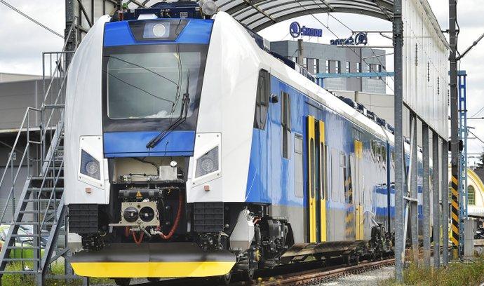 Škoda Transportation dodá moderní jednotky 1. a 2. třídy s kapacitou téměř 240 sedících cestujících.