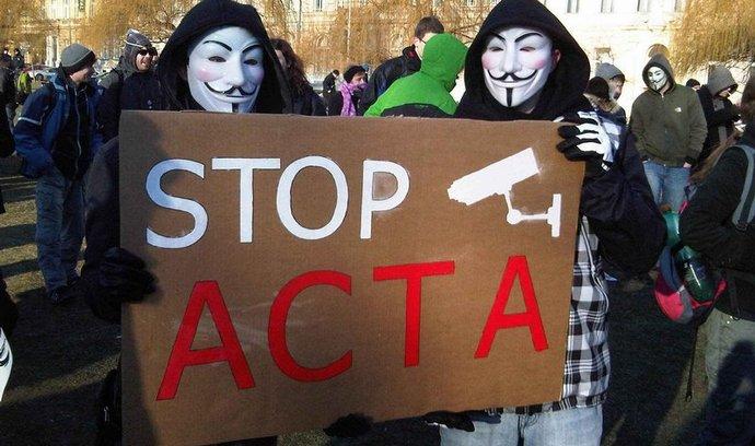 Regulace internetu nemusí mít pouze špatné úmysly. A Anonymous nemusí být pouze hrdinové. Záleží na úhlu pohledu.
