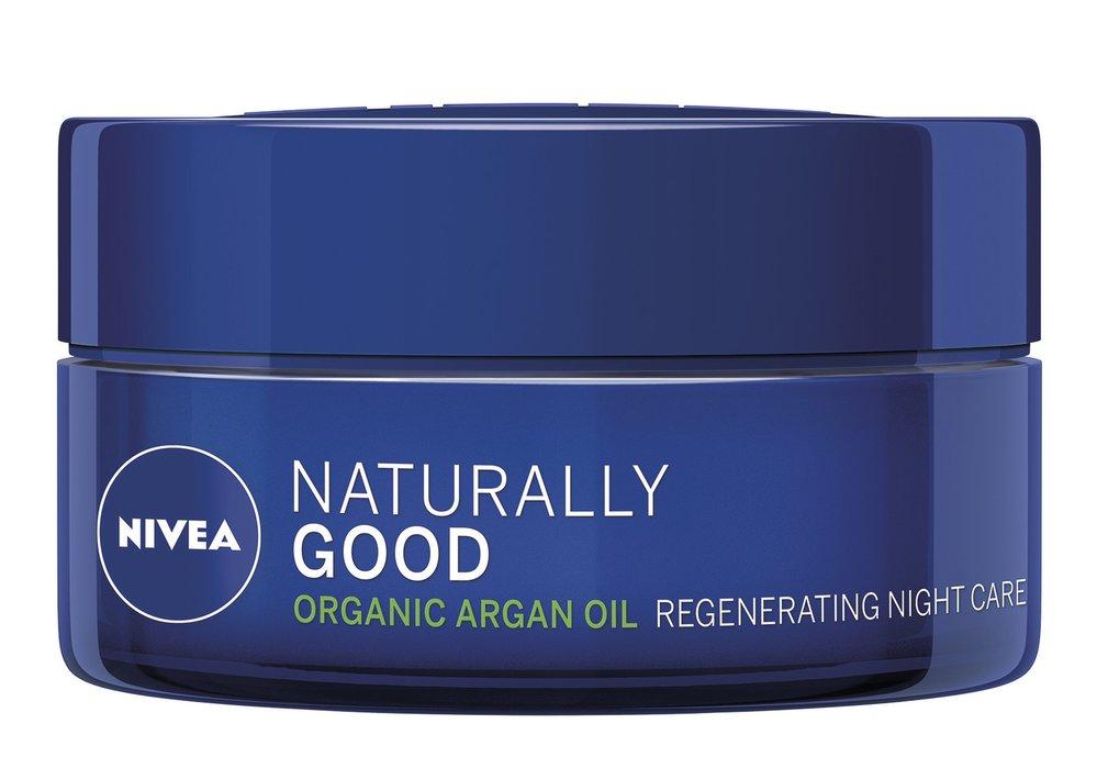 4 Regenerační noční krém, Naturally Good, Nivea, 200 Kč
