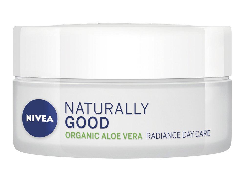 3 Rozjasňující denní krém, Naturally Good, Nivea, 200 Kč