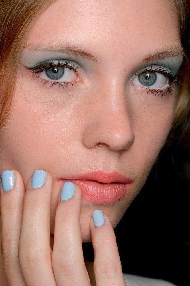 1975 - pastelové oční stíny