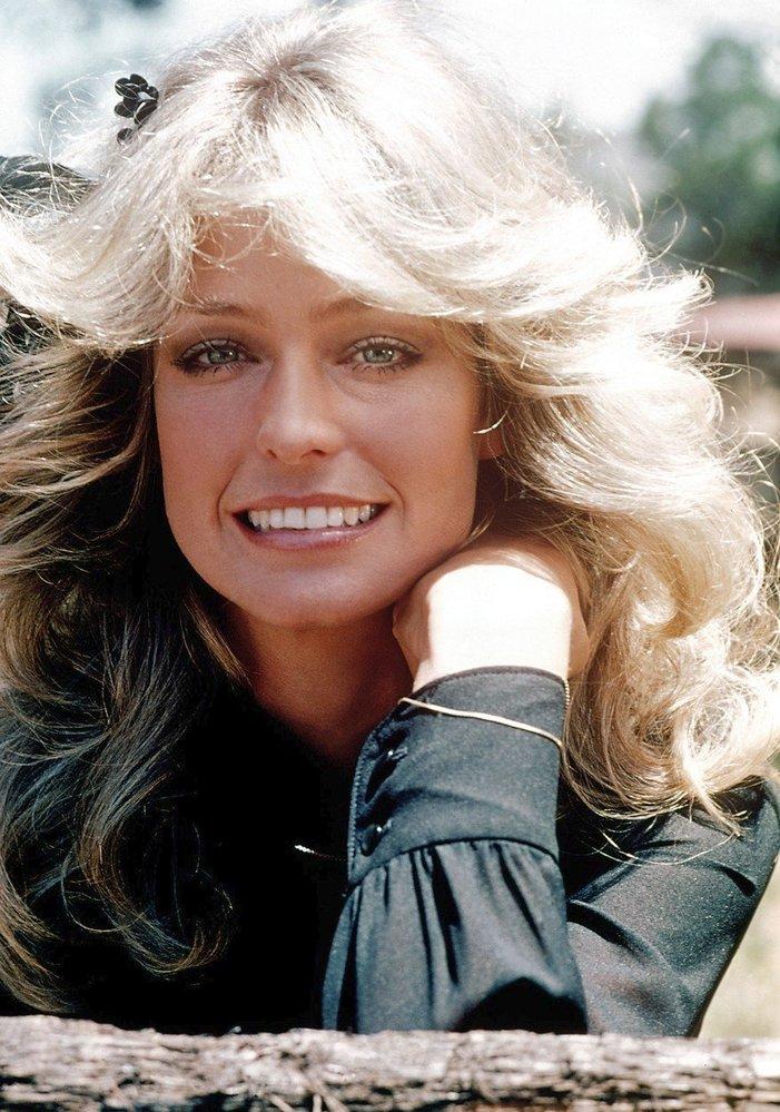 1976 - účes podle tehdejší ikony Farrah Fawcett