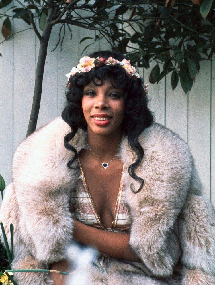 1973 - ozdobné čelenky ve vlasech