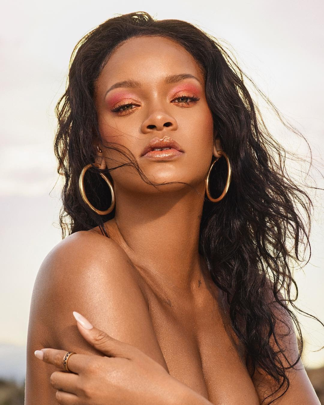 Rihanna je tváří vlastní kosmetické značky.