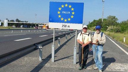 Tady se blížili do Itálie.