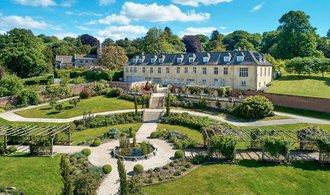 OBRAZEM: Robbie Williams prodává své sídlo v Anglii za téměř 7 milionů liber