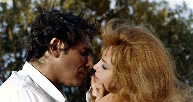 Nerozlučná milenecká dvojice Angelika a Joffrey v podání Michèle Mercier a Roberta Hosseina