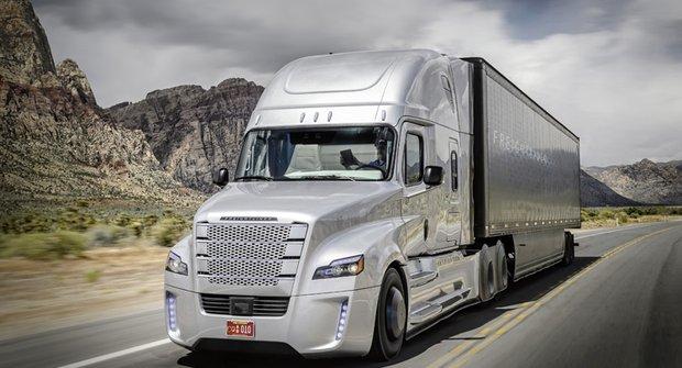 První robotický kamion brázdí americké silnice