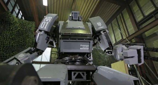 Do japonského robota se vleze člověk!