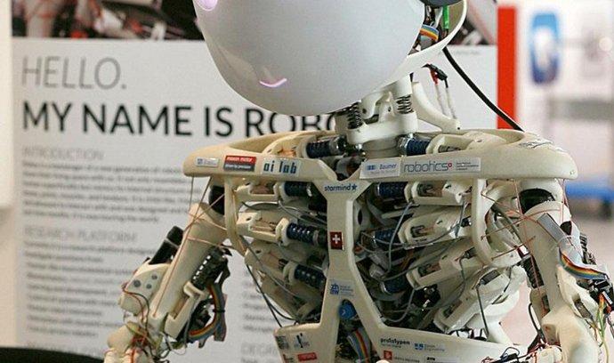 Roboy. Co by to bylo za CeBIT, kdyby na něm chyběl robot. Tohle je Roboy, světově první prototyp  mělého humanoidního tvora.