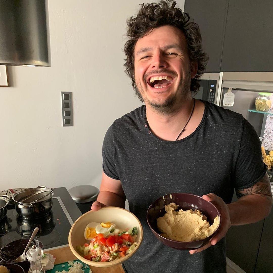 Roman bude vařit ve Snídani s Novou.
