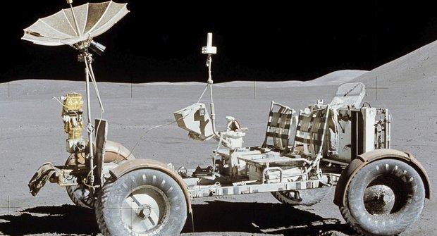 Vesmírní tuláci: Pojízdné laboratoře na Měsíci a Marsu