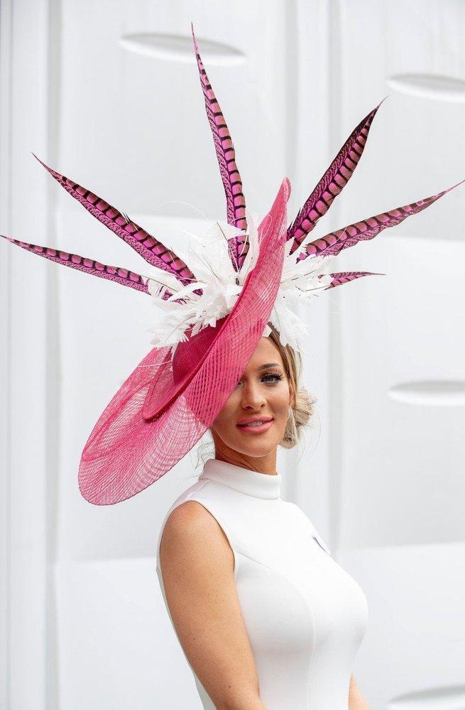 Některé klobouky byly krásné...