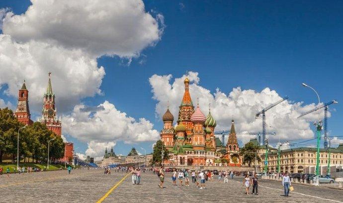 Rudé náměstí s Kremlem a chrámem Vasila Blaženého