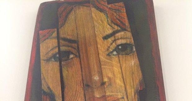 """Obraz Krásná Neznámá, který vznikl na dřevěném podkladu, akcentuje inspiraci helénistickým obdobím Egypta. """"Lidé se tehdy na mumie snažili namalovat obličeje zesnulých,"""" uvádí Sazdov."""