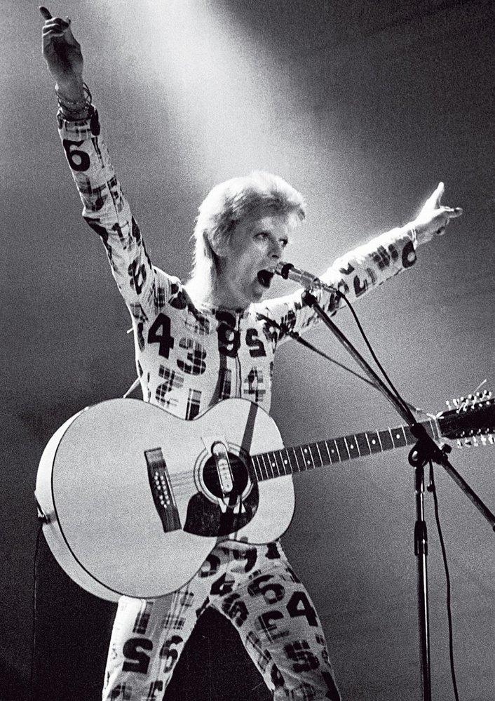 Ziggy  played  guitar ...