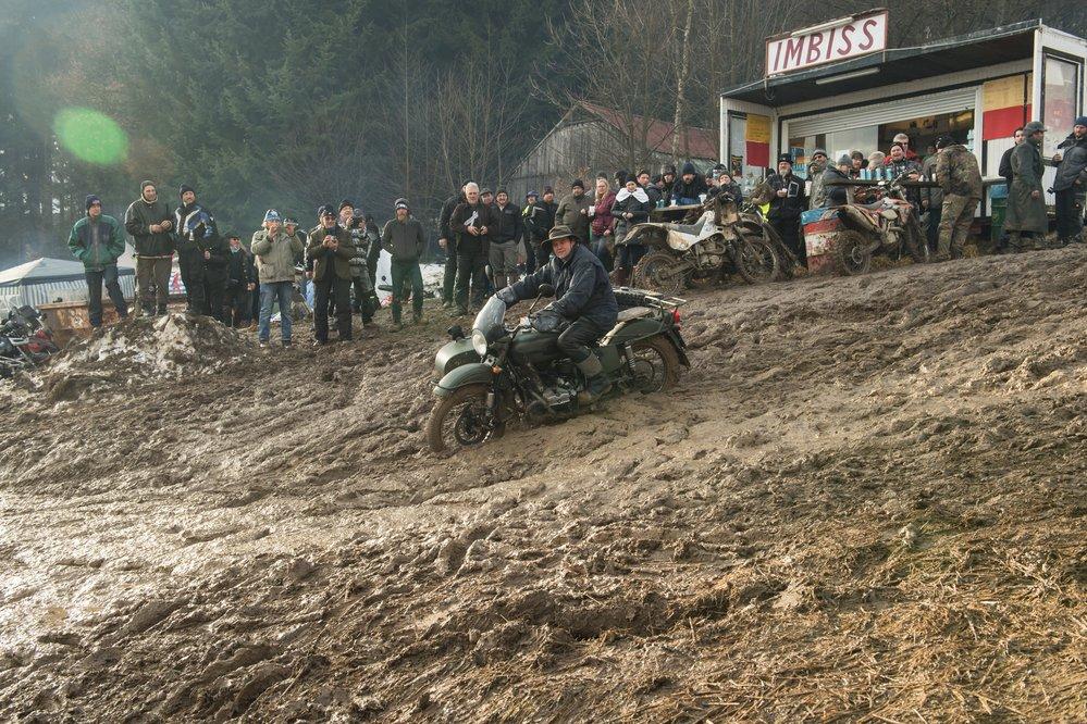 Sloni v blátě: V Německu se v únoru sjiždějí motorkáři na zvláštní sraz