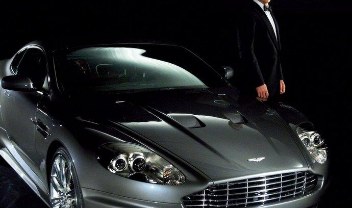 S prvním otevřenějším product placementem přišel James Bond. Malý pitaval zase propagoval vůz Žiguli...