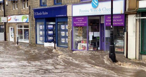 Bouře Ciara způsobila povodně v Hebden Bridge ve Velké Británii (9. 2. 2020).