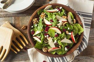 Sedm lehkých letních salátů