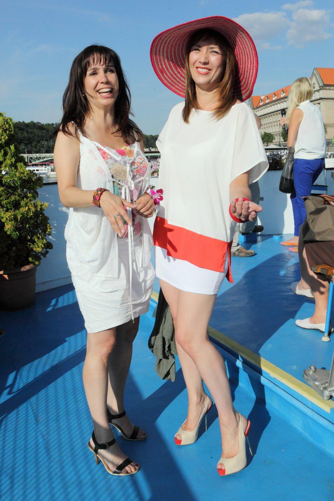 Na lodi, kde se párty konala, se skvěle bavila i Nela Boudová a Tereza Kostková